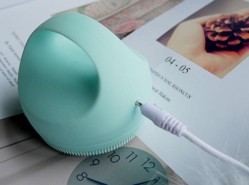 PoProro洗臉機充電孔